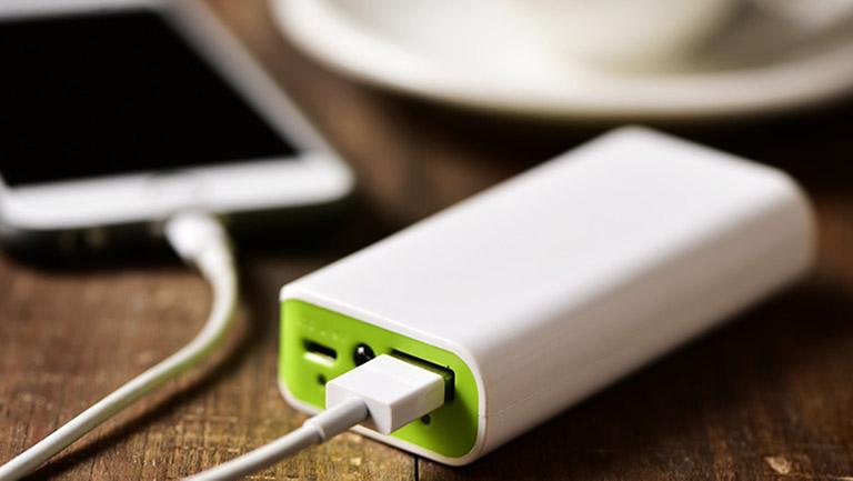 Handy aufladen Powerbank