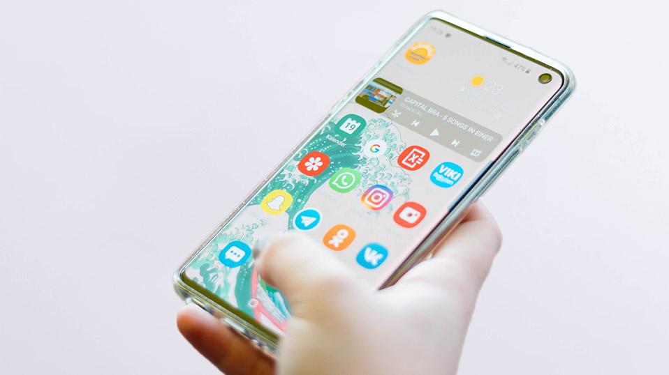 Smartphone richtig reinigen -