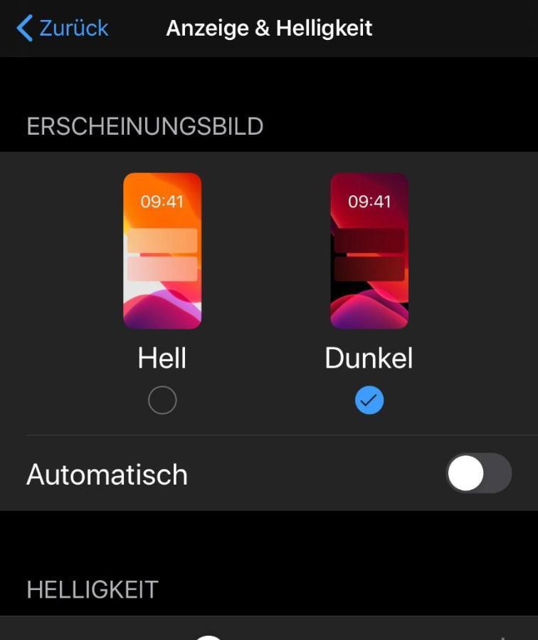 iOS WhatsApp Dark Mode